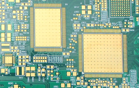 PCB via in pad