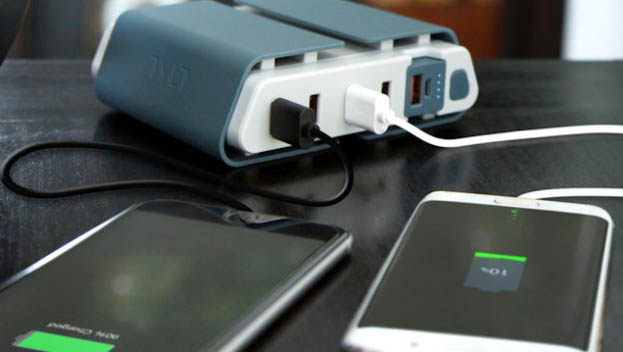 Tylt Energi Desktop Charging Station