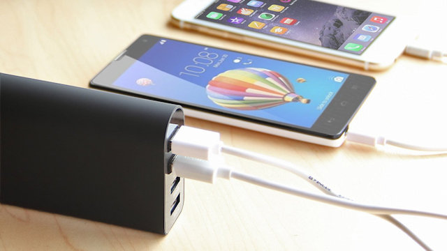 iClever BoostCube 4 Port USB Charger
