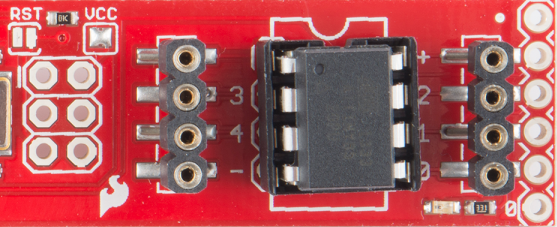 Tiny AVR Programmer ATmega85 inserted2